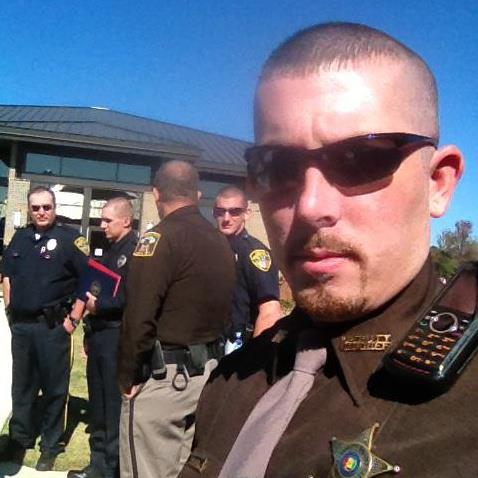 Deputy Rants on Facebook About Citizen's Roadblock Warnings