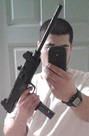 Bank Robbery Suspect Caught Because of Facebook Selfie