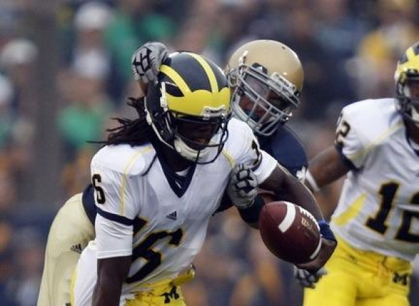 Denard Robinson's Twitter Gets Hacked: The Importance of Security in Social Media