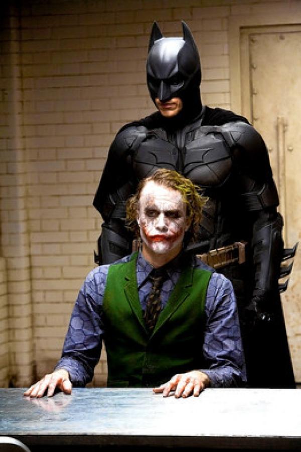 Facebook to stream Warner Bros. The Dark Knight